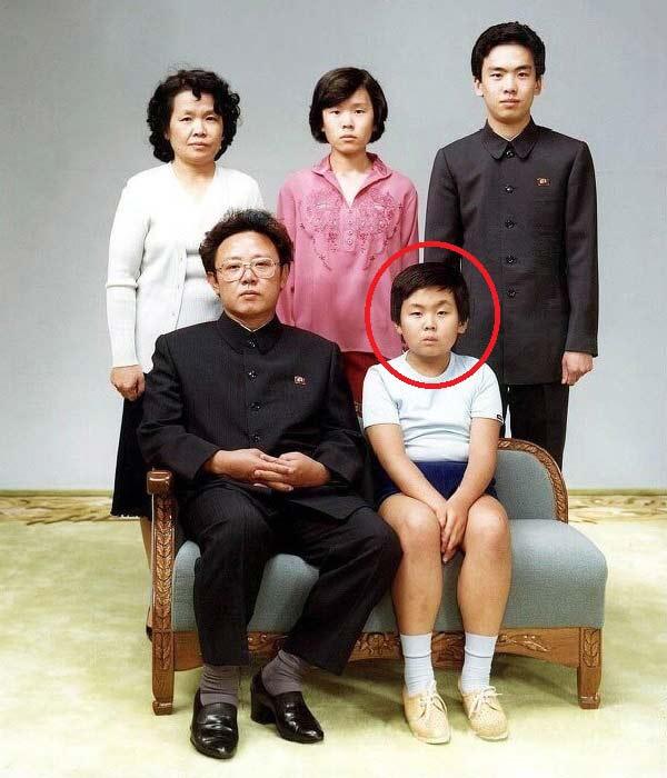 Ким Чен Ын с родителями