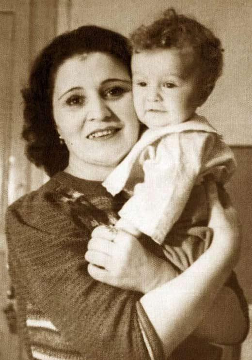 Коша Александровна с сыном Эмилем