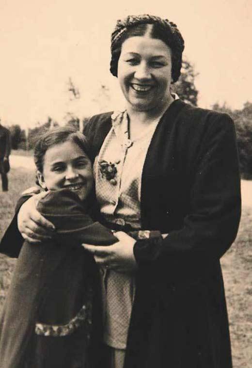 Лидия Русланова и приемная дочь Маргарита