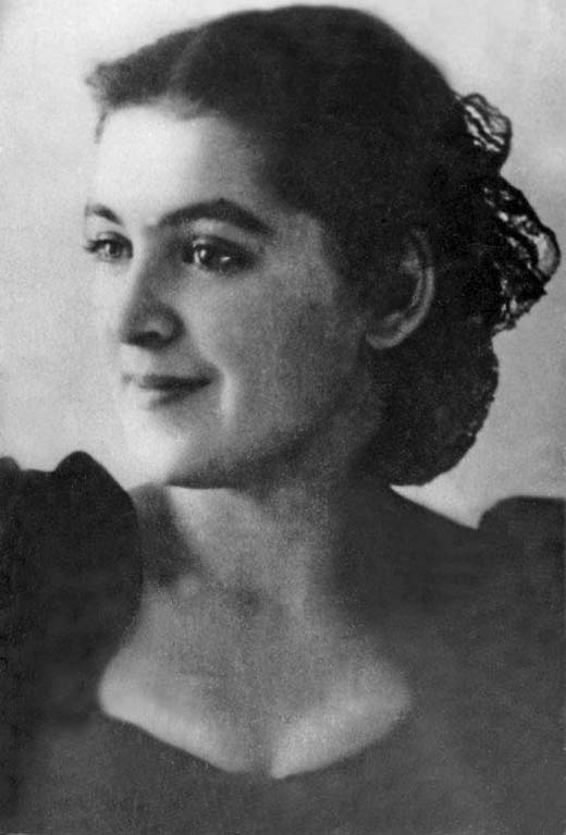 Людмила Шувалова в молодости