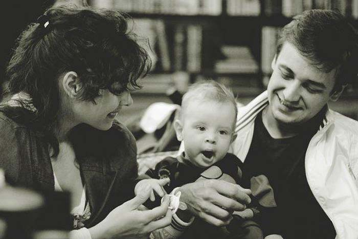Мария Валешная и Кирилл Жандаров с сыном