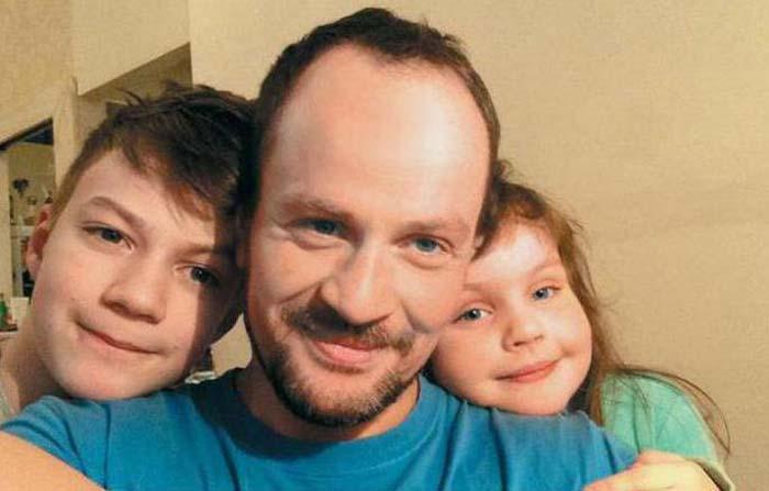 Михаил Евланов с детьми