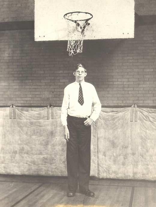 самый высокий человек в истории Роберт Уодлоу 4