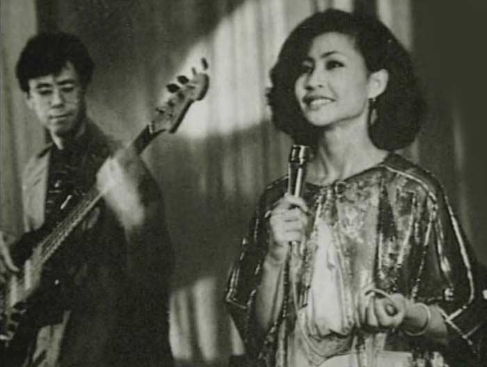 Роза Рымбаева в молодости