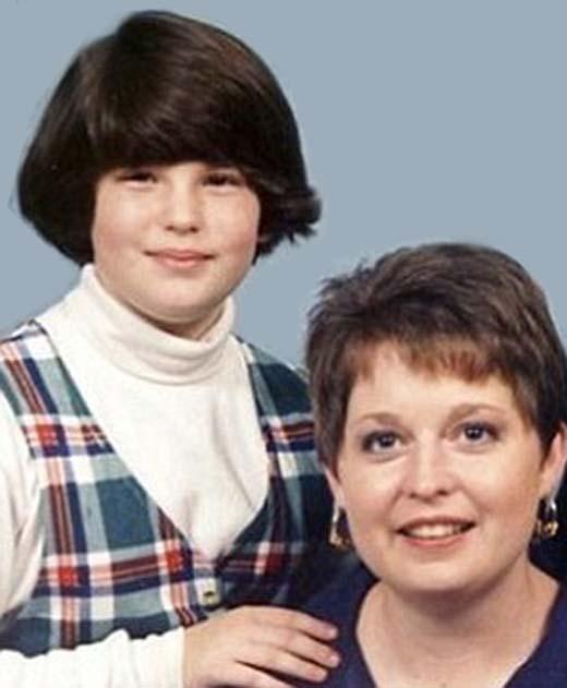 Тесс Холлидей в детстве с мамой