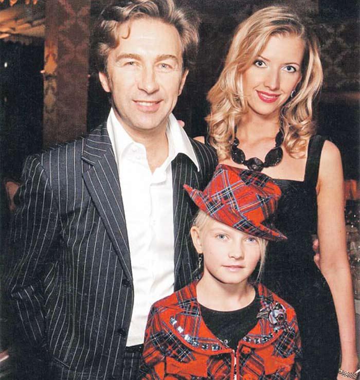 Валерий Сюткин с женой и дочерью