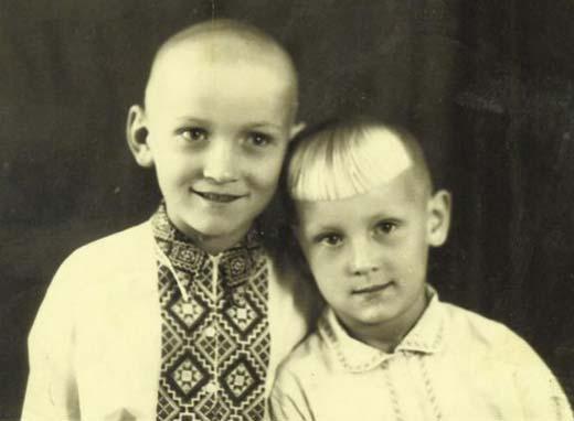 Владимир Талашко в детстве с братом