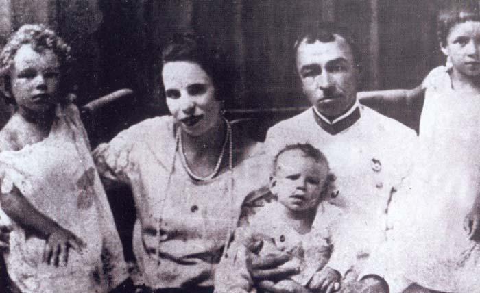 Генерал Панфилов и жена Мария