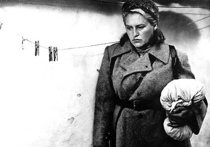 Кадр из фильма Комиссар