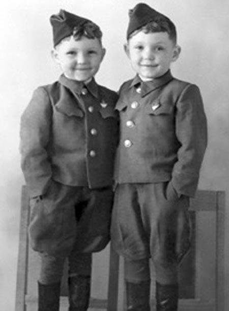 Василий и Александр сыновья Василия Маргелова