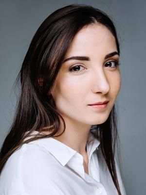 Анна Анохина