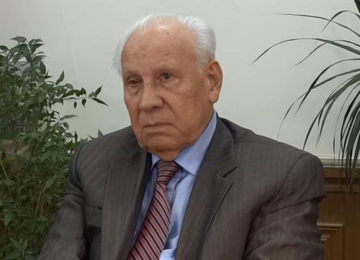Анатолий Лукьянов 4