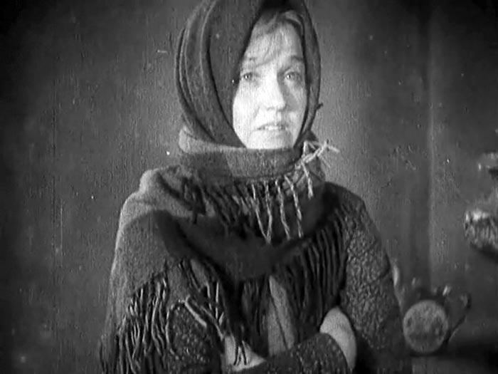 Мария Бабанова Одна