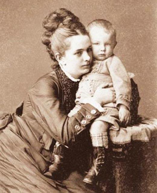 Жена Федора Плевако Мария Демидова с сыном Сергеем