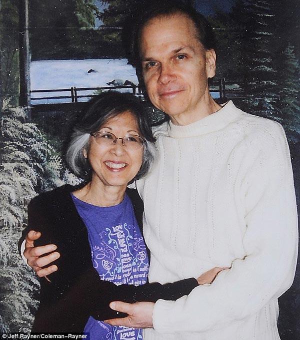 Марк Дэвид Чепмен и жена Глория 4