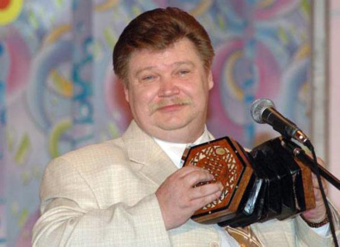 Николай Бандурин с концертиной