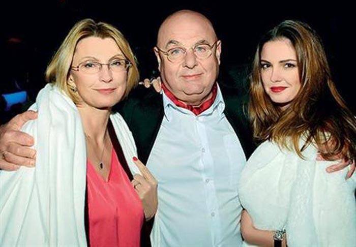 Полина Долинская с родителями