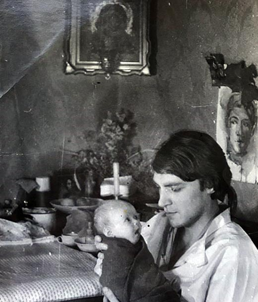 Полина Невзорова в детстве с отцом
