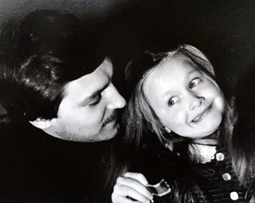 Полина Невзорова в детстве с отцом 3