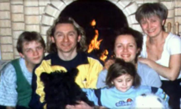 Сергей Беликов с женой и детьми