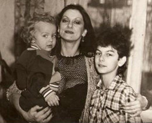 Светлана Бледная с сыновьями Ильей и Филиппом