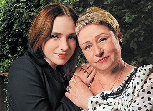 Тутта Ларсен и мама Елена Михайловна