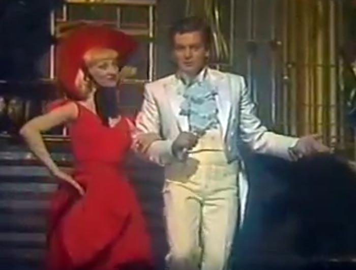 Валерий Барда-Скляренко танцует
