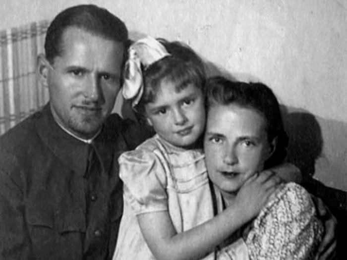 Варвара Мясникова и Сергей Васильев с дочерью