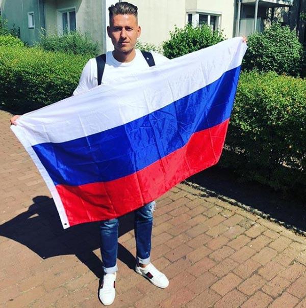 Вальдемар Антон с флагом России