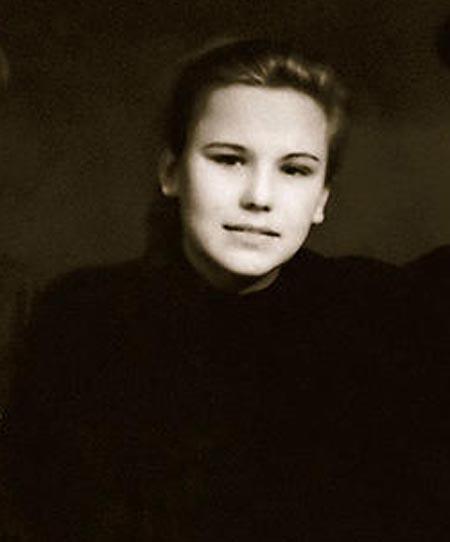 Валентина Березуцкая в юности
