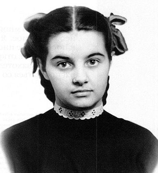 Валентина Шарыкина в юности
