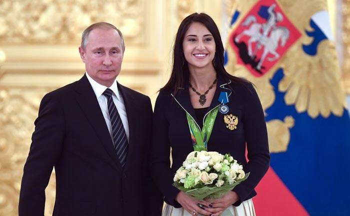 Яна Егорян и Владимир Путин