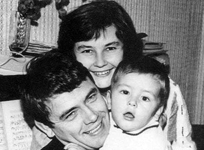 Юрий Гуляев с женой и сыном