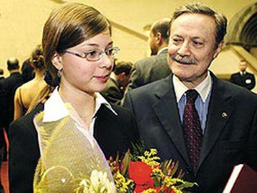 Юрий Соломин с внучкой Александрой