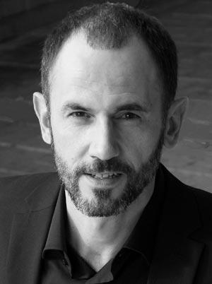 актер Олег Морозов