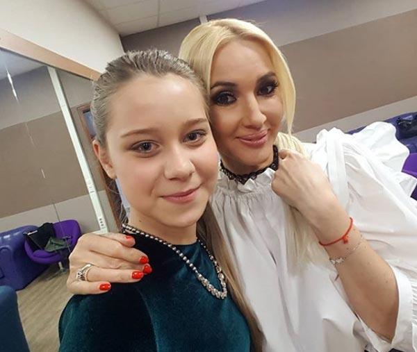 Анастасия Годунова и Лера Кудрявцева