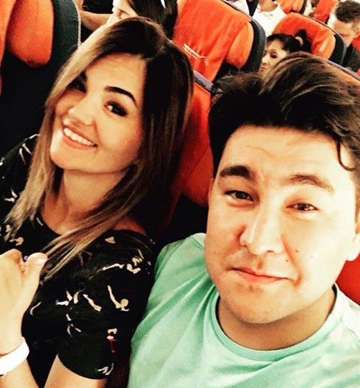 Азамат Мусагалиев и жена Виктория