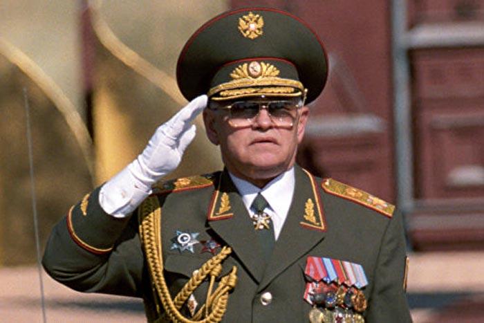 Маршал Игорь Сергеев на параде