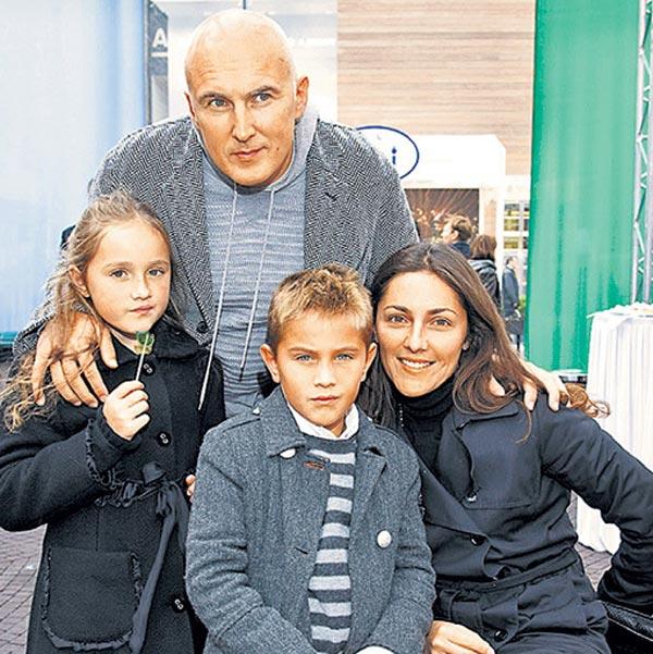 Игорь Матвиенко и Анастасия Алексеева с детьми
