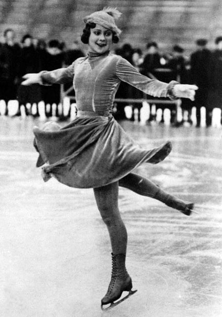 Соня Хени на льду