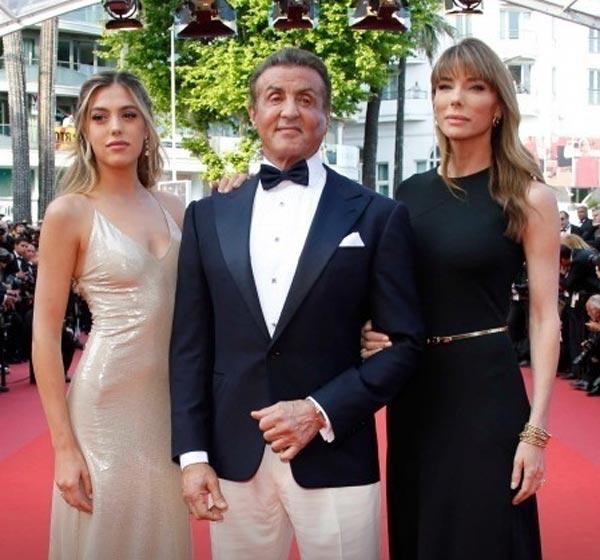София Роуз Сталлоне с родителями Каннский кинофестиваль 2019