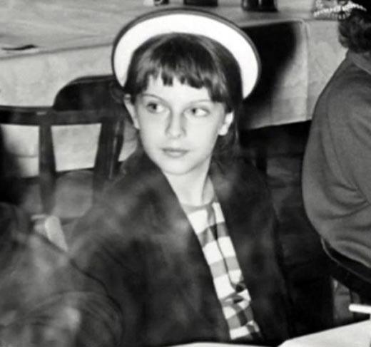 Тереза Мэй в детстве