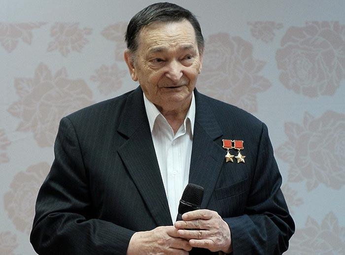 Валерий Быковский 3
