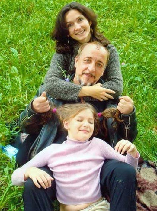 Виктор Тереля с женой и дочерью