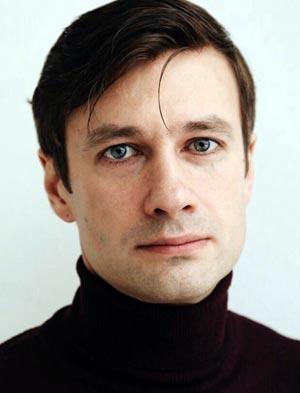Актер колганов дизайнер одежды красноярск