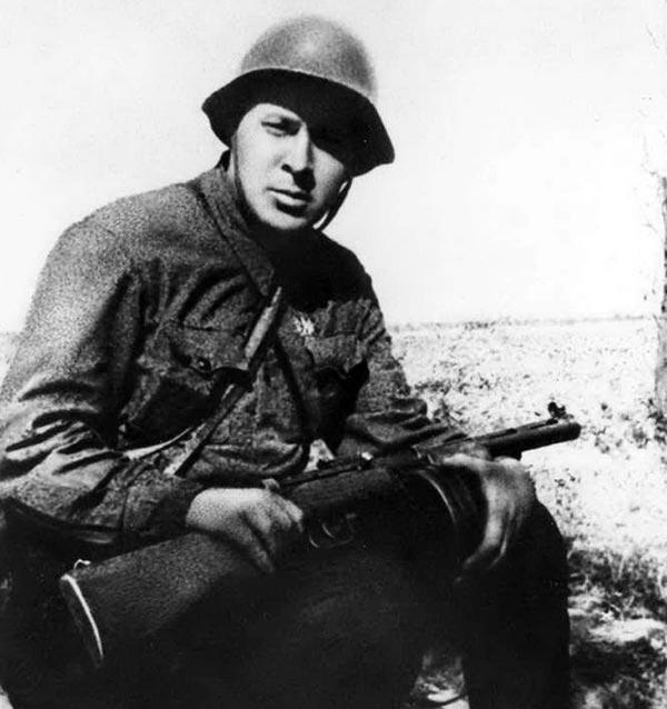 Аркадий Гайдар на фронте