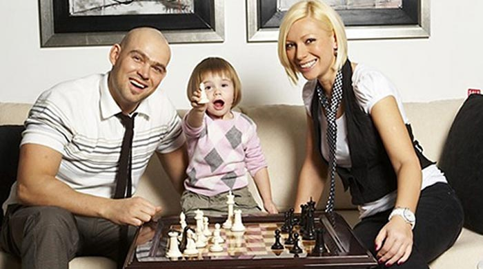Аврора и Алексей Трейман с дочерью