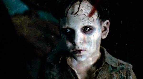 Кадр из фильма Хребет дьявола