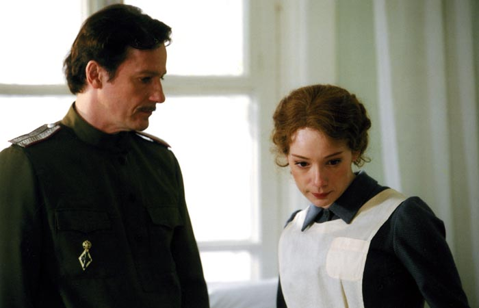 кадр из сериала Доктор Живаго