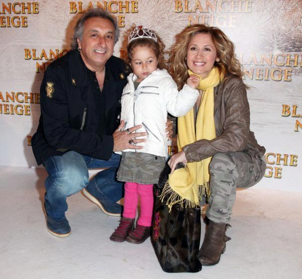 Лара Фабиан и Жерар Пулличино с дочерью